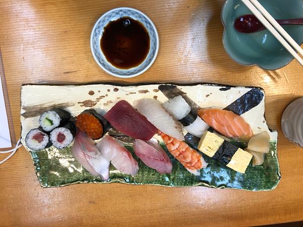 井津茂寿司のにぎりランチ